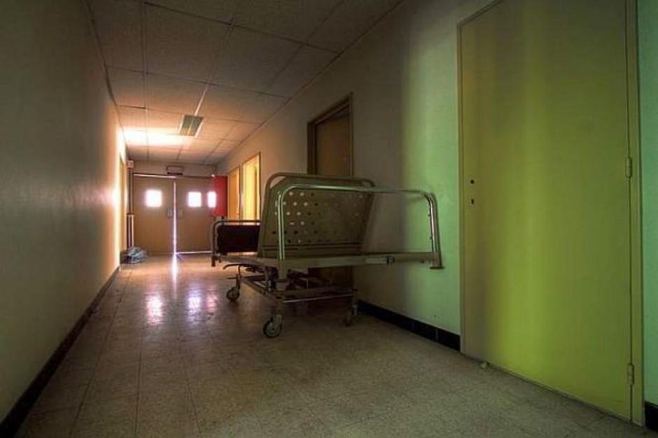 NFZ boi się szpitali i zbiera pieniądze