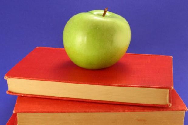 Dopłatę do podręczników dostanie więcej osób