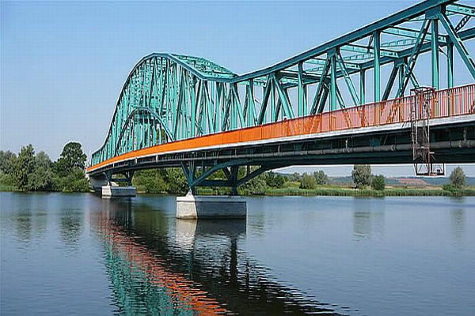 Most otwarty dla samochodów i pieszych
