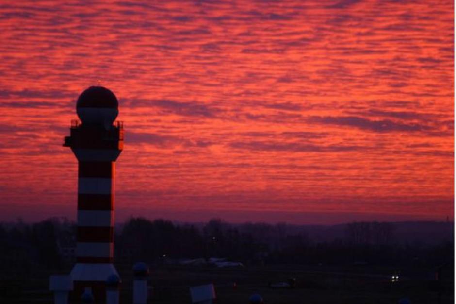 Doposażają wieżę lotniska w Jesionce