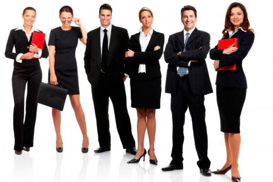 Tusk o wzroście zatrudnienia w administracji
