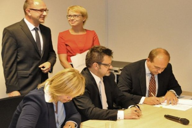 Jest umowa na rozbudowę euroteminalu