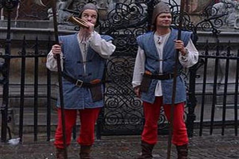 Strażnicy z Torunia w historycznych strojach