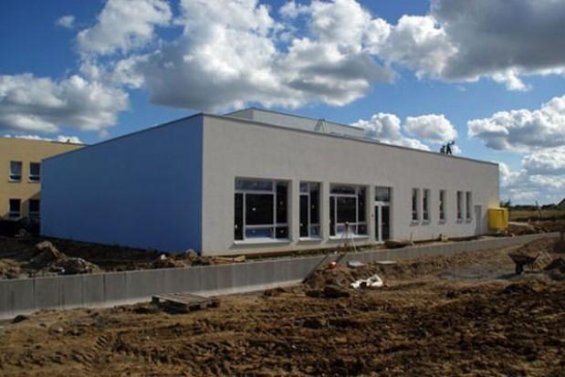 Nowa szkoła w Mierzynie już stoi
