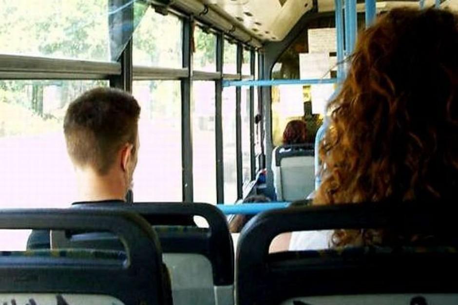 Co przeszkadza pasażerom miejskiej komunikacji?