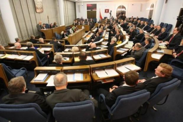 Senat chce 1 tys. zł becikowego