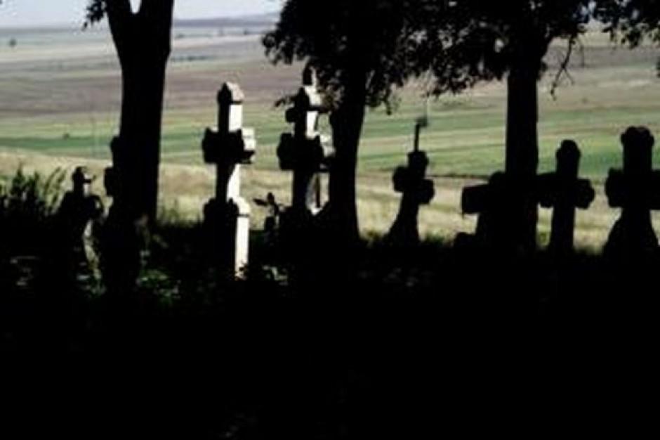 Gminy będą mogły przeznaczyć grunty z ANR na cmentarze komunalne?