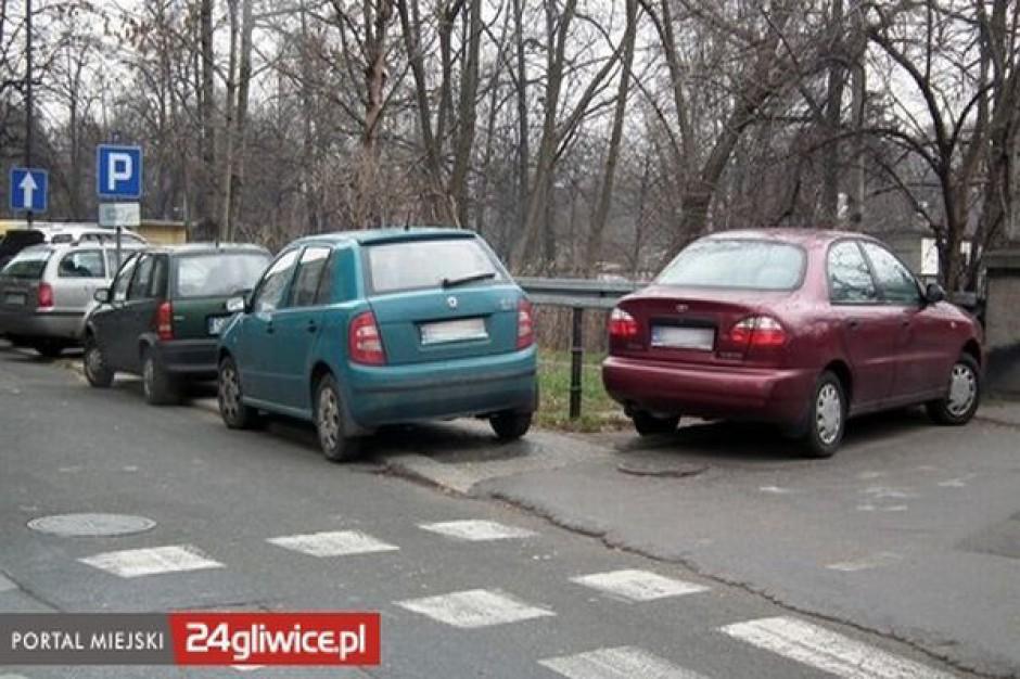 Radni uchylą uchwałę dotyczącą płatnego parkowania?