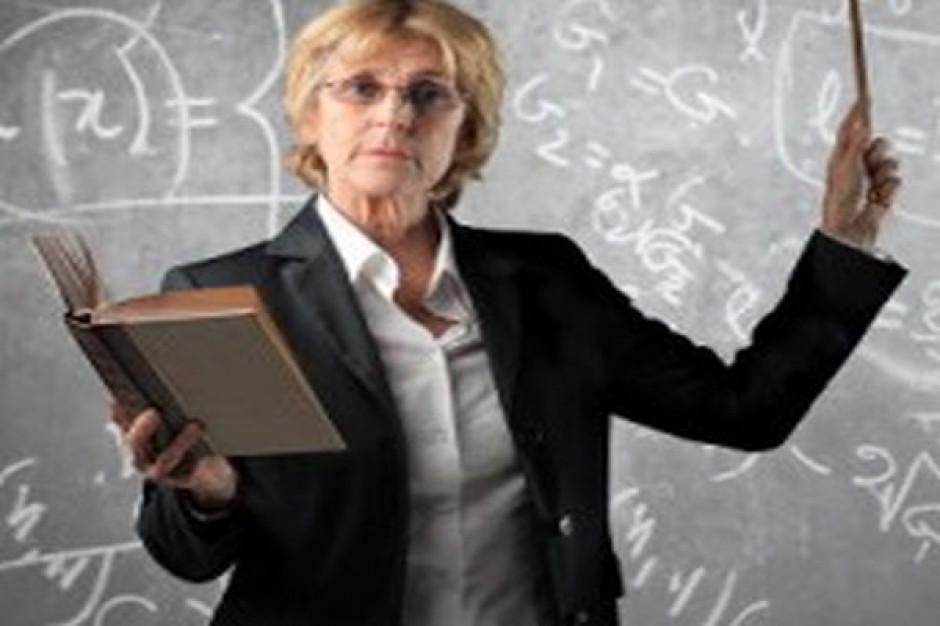 Statystyczny nauczyciel jest kobietą
