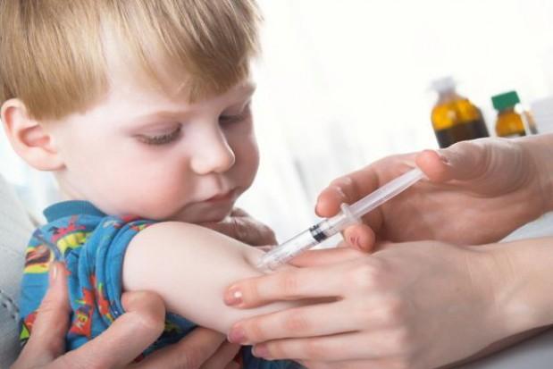 Warszawa sfinansuje szczepienia dzieciom