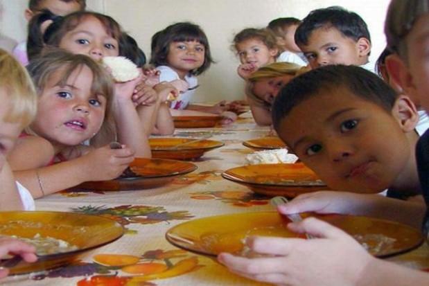 Przedszkolna stołówka w trybunale