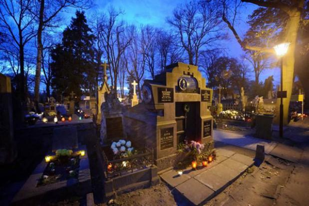 Odnowa zabytkowych nagrobków w Tarnowie