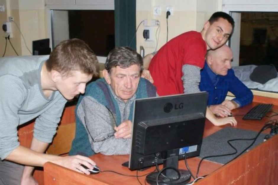 Samorządowcy pomagajcie Latarnikom