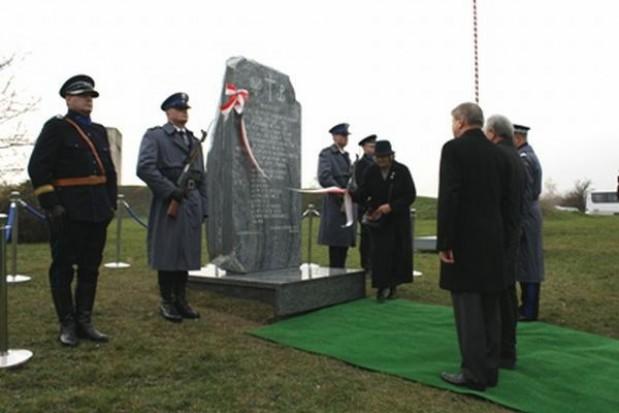 W Krakowie odsłonięto obelisk upamiętniający tzw. granatowych policjantów