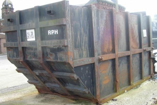 Kolejna gazeta o śmieciowych przetargach