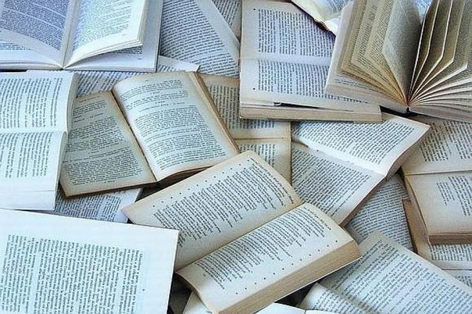 Sędziowie chcą wycofania podręcznika