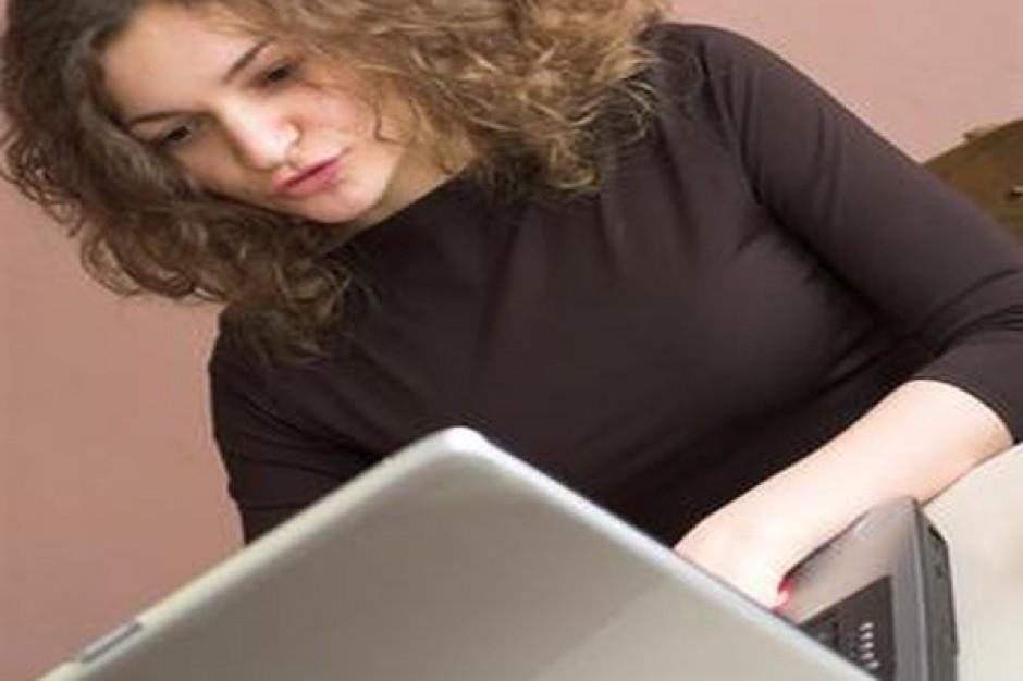 Lepiej jak pracownik nie korzysta z Facebooka