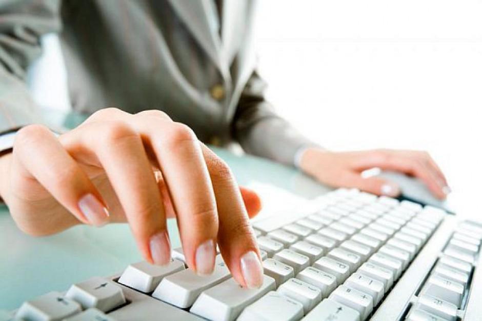 Pomoc społeczna z komputera
