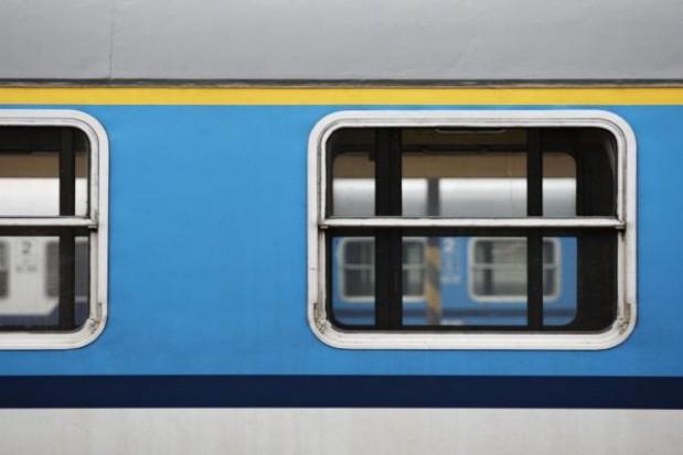 Do lotniska w Świdniku nową linią kolejową