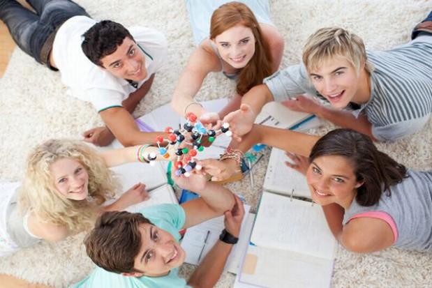Polska młodzież coraz chętniej garnie się do wiedzy
