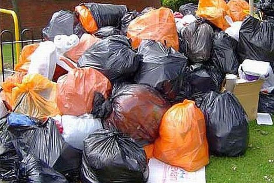 Bój o śmieci bez przetargów