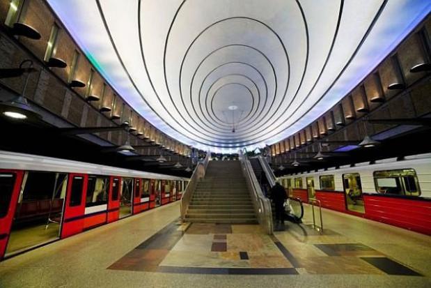 Metro jednak pojedzie nocą