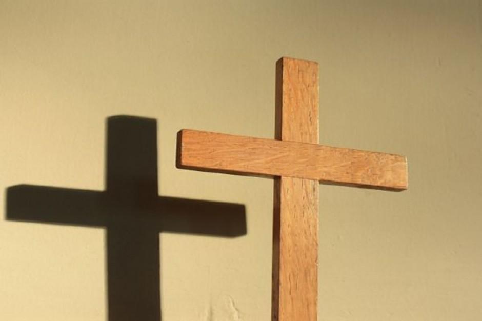 Pozew o usunięcie krzyża z Sejmu oddalony