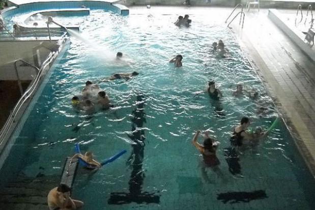 W Swarzędzu tańszy basen i lodowisko