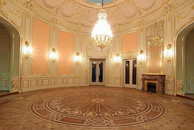 Odrestaurowano salę balową w Łodzi