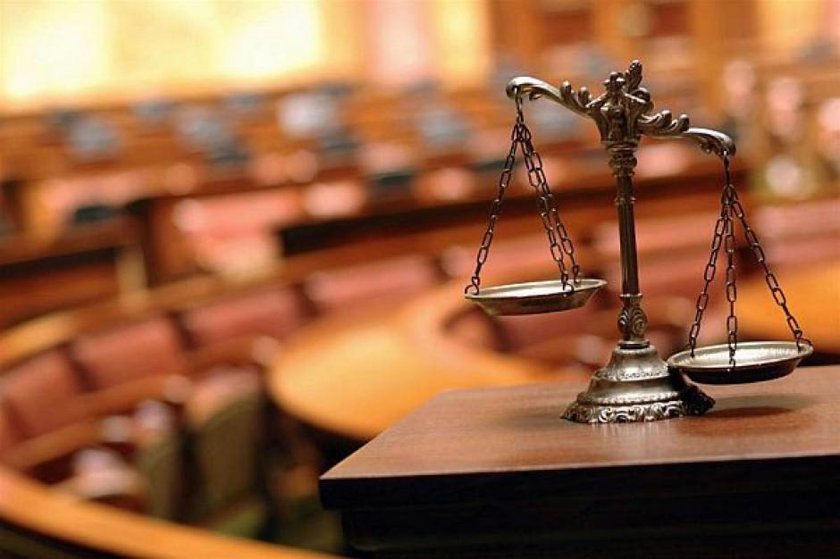 Druzgocąca opinia o reorganizacji sądów