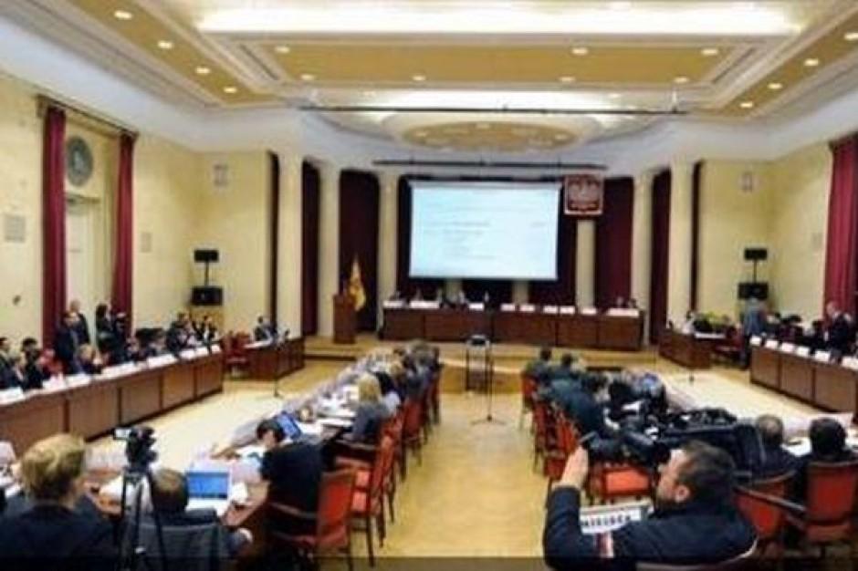 Stołeczna rada zwleka z opłatami za śmieci do nowelizacji ustawy