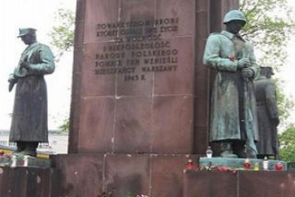 Czy pomnik czterech śpiących wróci na pl. Wileński?