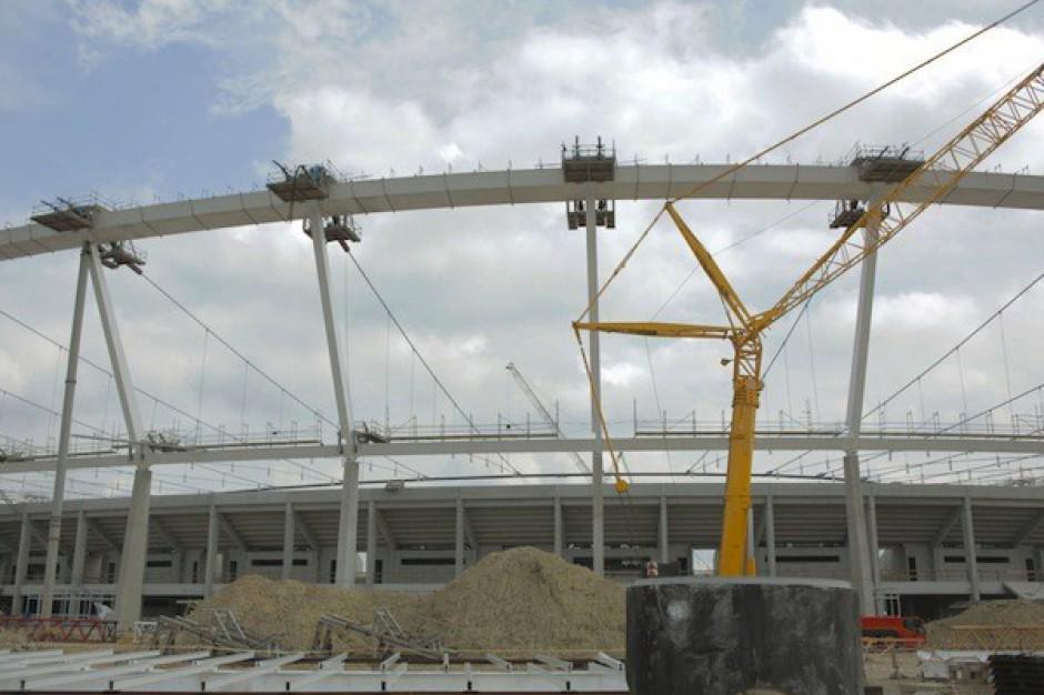 Decyzja o dachu stadionu w lutym lub w marcu
