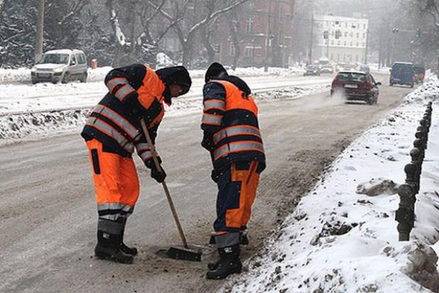 Łatają dziury w toruńskich drogach