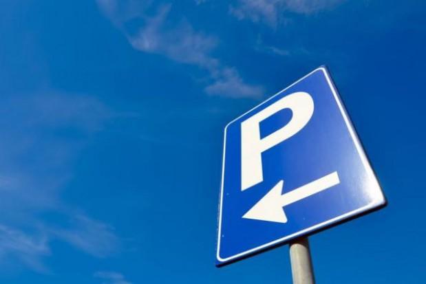 Większa srefa parkowania w Warszawie