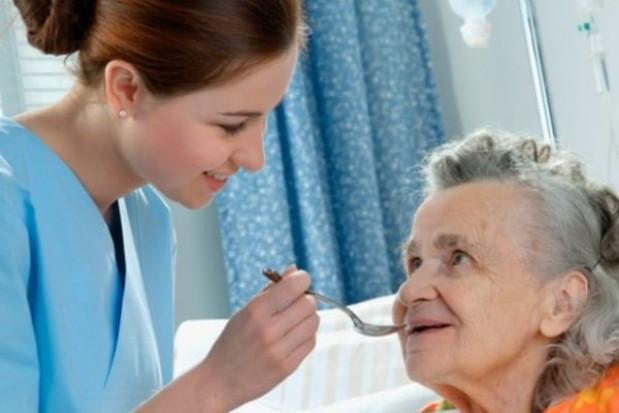 Nowe pielęgniarki zajmą się pacjentem w domu