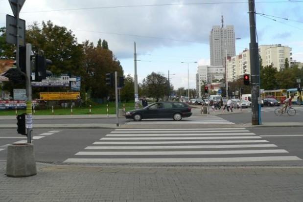 Sposób na uliczne korki i pełne parkingi