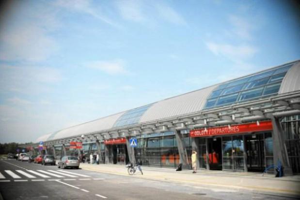 Plan naprawczy pasa w Modlinie do końca lutego