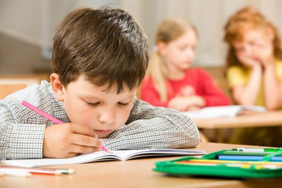 Kolejne warszawskie szkoły idą pod młotek