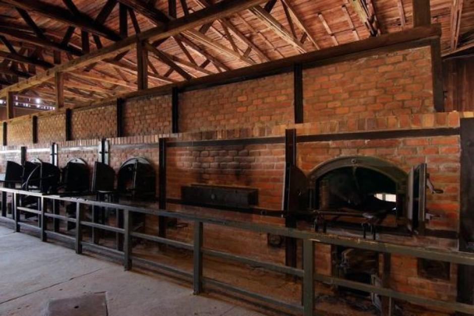 Szklane przesłony przed piecami krematoryjnymi