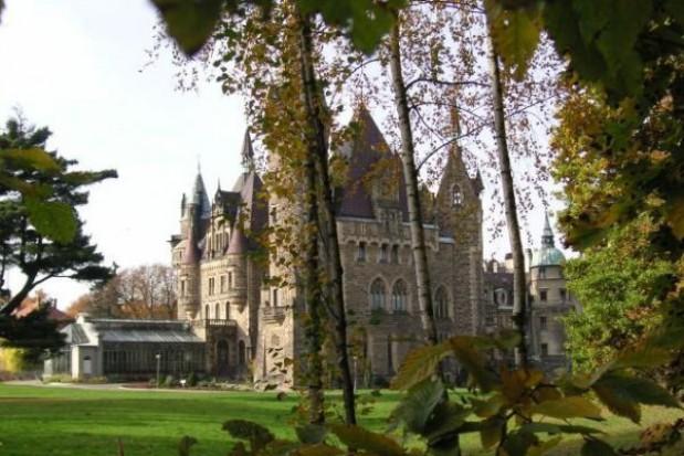 Trzy oferty na remont zamku w Mosznej