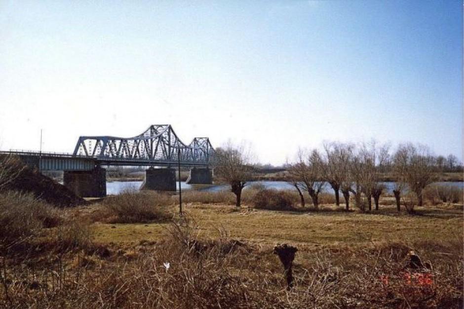Wznowiono prace remontowe na moście w Szczucinie