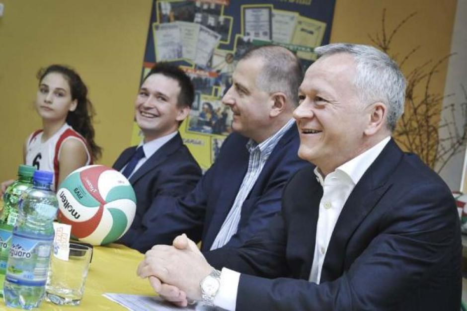 Stawiają na siatkówkę we wrocławskich szkołach