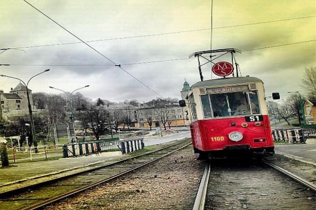Mobilna wystawa wielkanocna w zabytkowym tramwaju