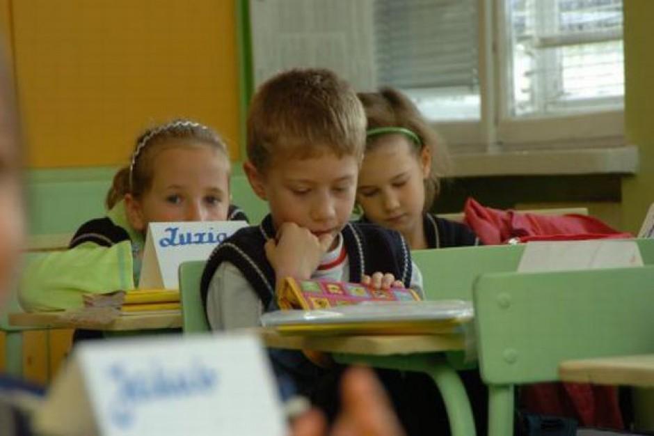 Lata nauki szkolnej wpływają na wyniki uczniów