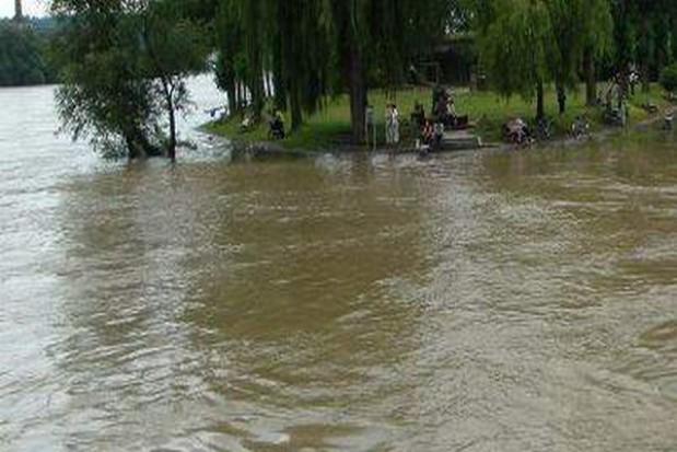 Powodzianie nie odpuszczają lokalnym władzom