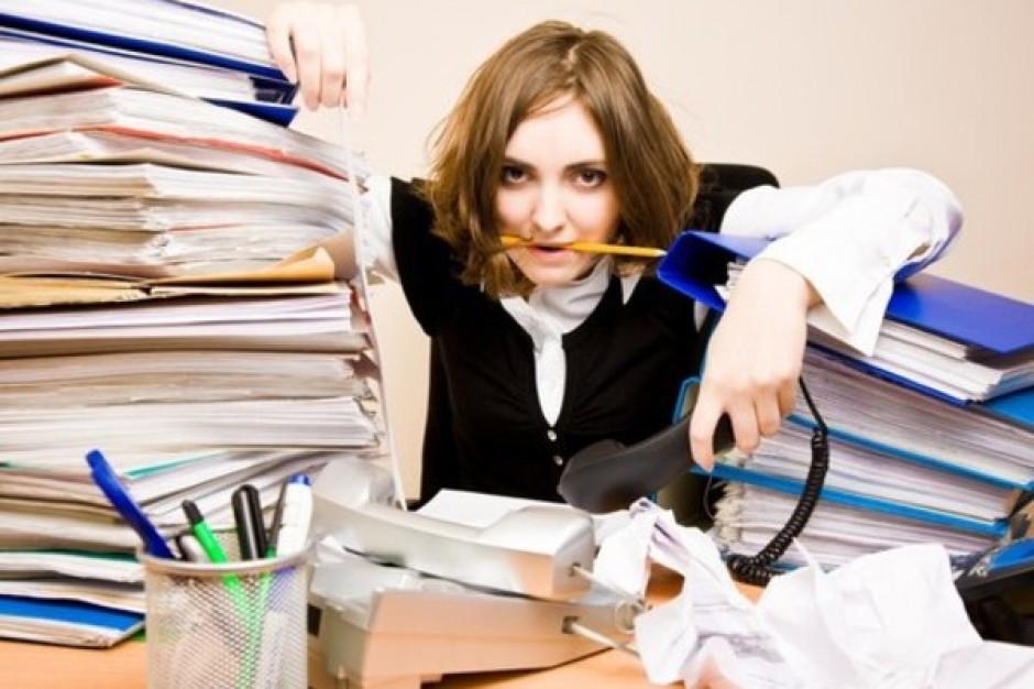 Uzależniony pracoholik szkodzi firmie