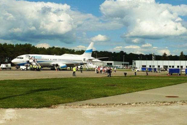 Płyta postojowa regionalnego lotniska do remontu
