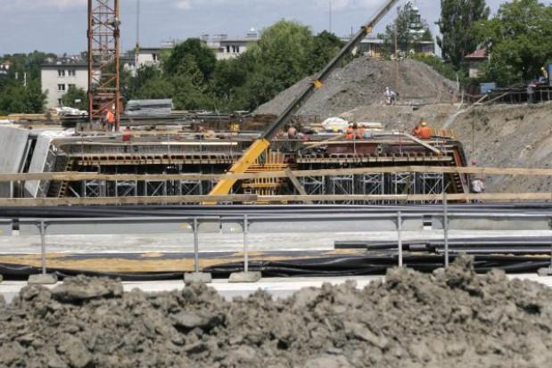 Dąbrowska droga czeka na decyzję UZP