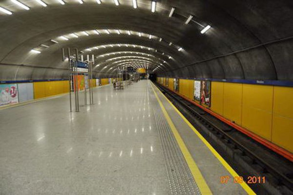 Od rana opóźnienia metra z powodu awarii
